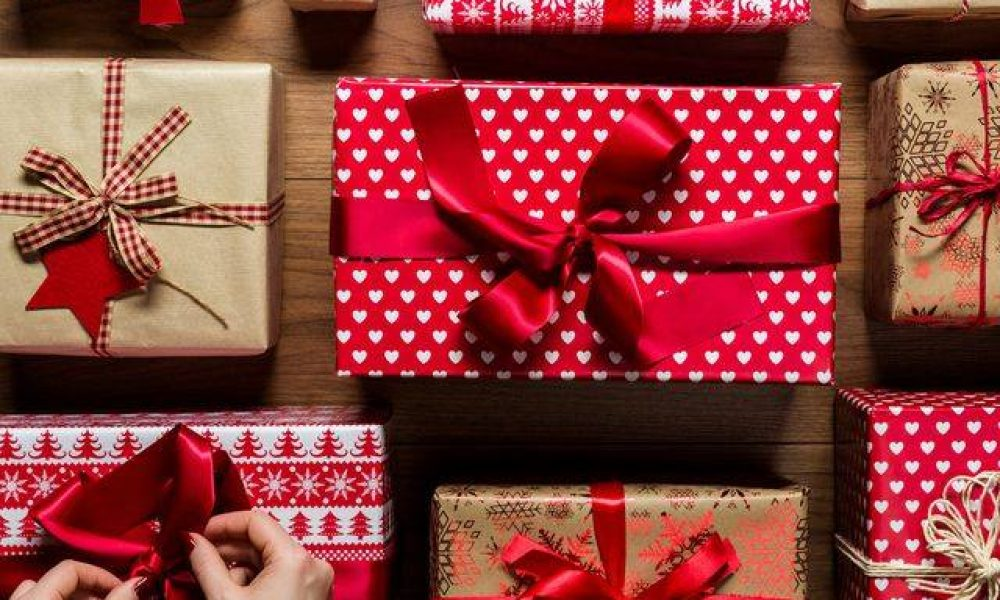 holiday charity gift wrapping